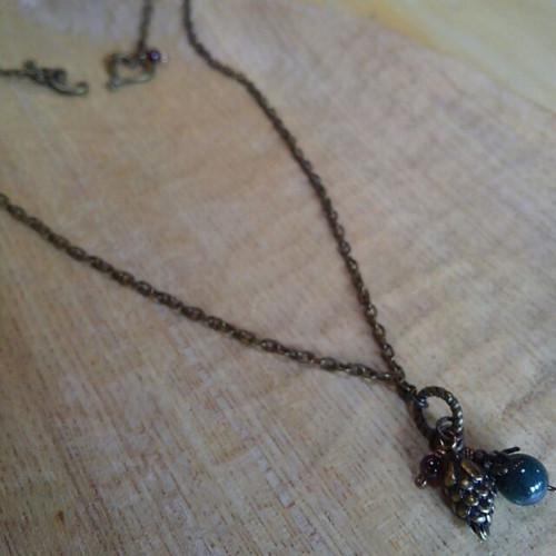 小さなネックレス(まつぼっくり)