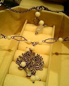スノーツリーのネックレス