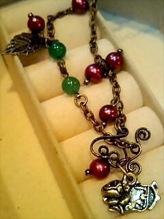 バラのアーチのネックレス